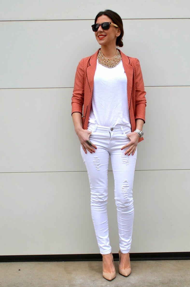 Cómo usar unos pantalones blancos
