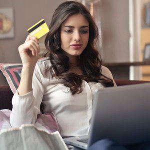 Trucos para ahorrar dinero en línea