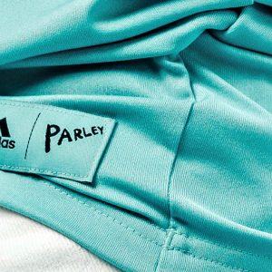 Adidas saca ropa con material reciclado